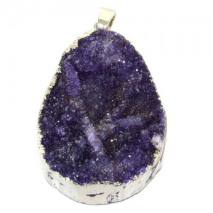 Кулон друза из фиолетового кварца в форме капли